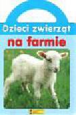 Dzieci zwierząt na farmie