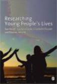 Eleanor Ireland,Rachel Brooks,Elizabeth Cleaver - Researching Young People`s Lives